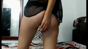 Desi escort Deepti Chouhan showing her gorgeous ass and lingerie.
