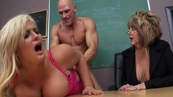 Disciplining the School Slattern - Julie Cash, Johnny Sins