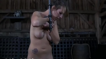 Vicious torturing of babe'_s bawdy cleft