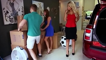 Glam stepmom pussylicked by doggystyled teen