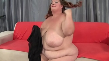 Massivetits fatty toys her pussy