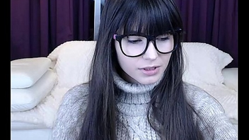 Cute Teen With Glasses on BasedCams.com